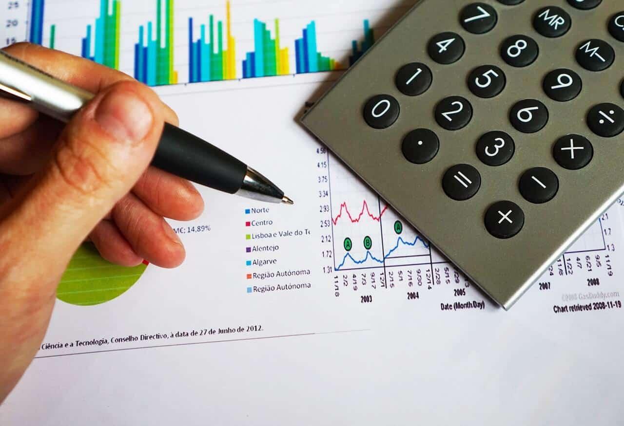 מה ההבדל בין רואה חשבון ליועץ פיננסי
