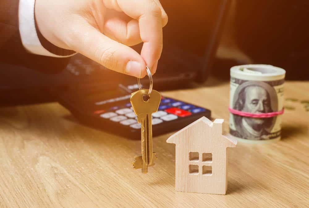 קבלת מפתח לדירה החדשה לאחר חישוב שווי דירה מחשבון יד 2 ידעת yadata