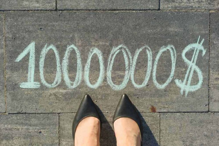 מעקבים של אשה מול כתובת שכנתא 1000000 כמה החזר